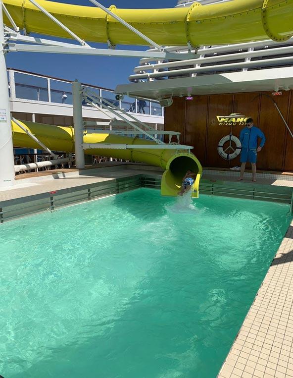 חוויות מההפלגה: בריכות, מגלשת מים מהנה והרבה פעילויות ופינוקים על סיפון האנייה קראון איריס