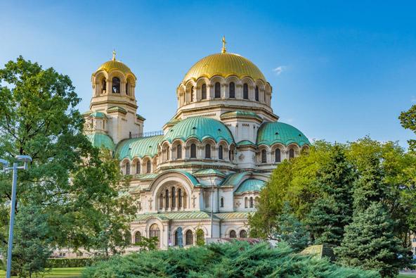קתדרלת אלכסנדר נבסקי, בעלת הכיפות המוזהבות, אחד מסמליה של סופיה
