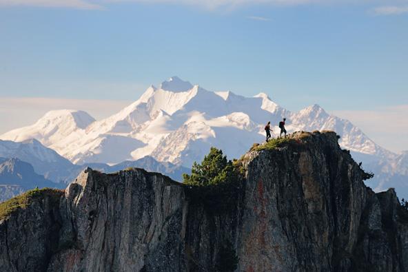 בקנטון ואלה בדרום שווייץ יש אינספור מסלולי הליכה בנופים חלומיים