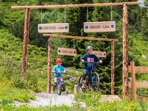 באזור יש מסלולי אופניים חווייתיים לילדים | צילום באדיבות Reiteralm Bergbahnen Grunwald
