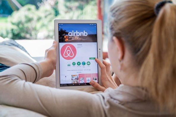 העלייה במספר התיירים מביאה לחיפוש אחר צורות אירוח חדשות כמו airbnb