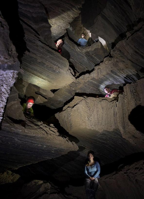 צניר הצנירים, מחילה רב מפלסית באגף המרכזי של המערה | צילום: בועז לנגפורד