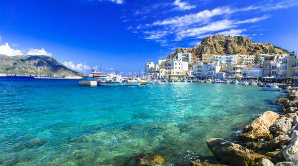 האי קרפטוס. שילוב של כפרים אותנטיים, חופים נהדרים וטבע