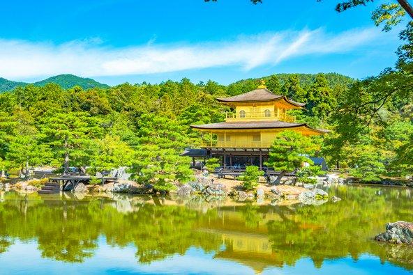מקדש קינקו ג'י בקיוטו. זדמנות מצוינת לחשוף את הילדים לתרבות אחרת
