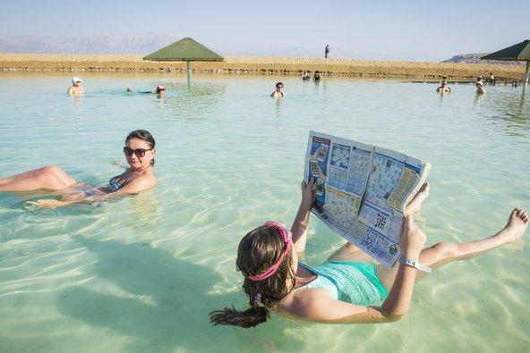תיירות בים המלח | צילום: Oleg Golovnev / Shutterstock.com