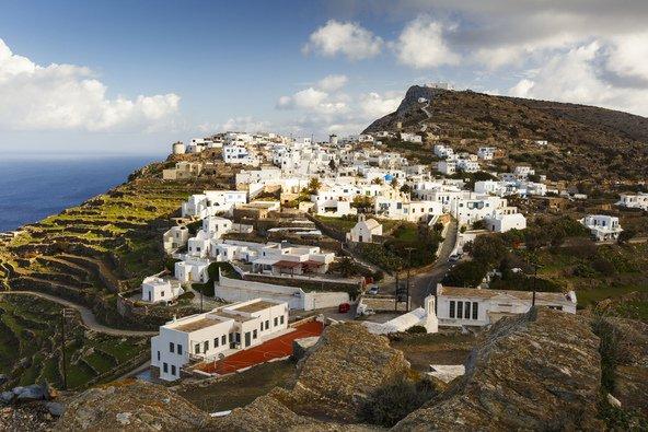 כפר בסיקינוס, שנחשב לאי הנידח ביותר מבין האיים הקיקלאדיים