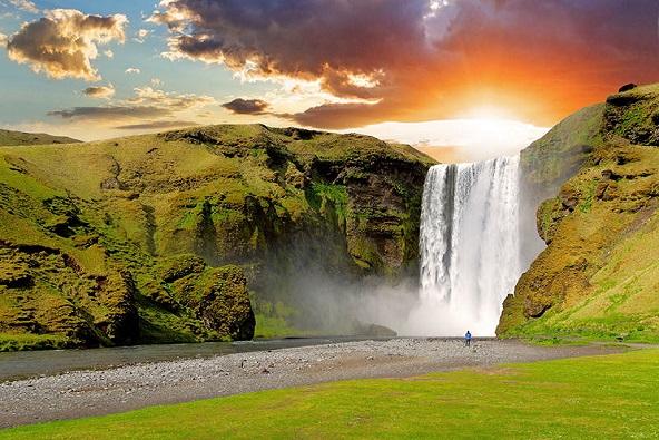 טרק 13 יום באיסלנד – הצד היפה של נופי הירח