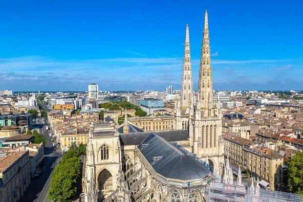 בורדו, בירת היין העולמית, מהווה אלטרנטיבה נעימה ולא עמוסה מדי לפריז