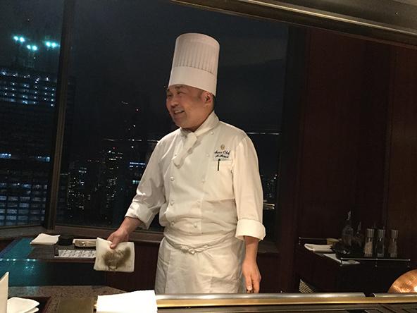 הטבח שלנו. מלאכת הידיים של טבח טפניאקי יכולה להיחשב כלהטוט | צילום: אביטל ענבר
