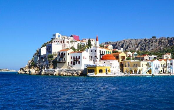 האי היווני הזעיר קסטלוריזו. האיים הפחות מוכרים ומתוירים מהווים אלטרנטיבה טובה לחופשת קיץ