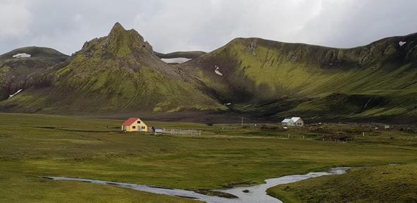 בקתת הרים באיסלנד | צילום: יזהר דמטר