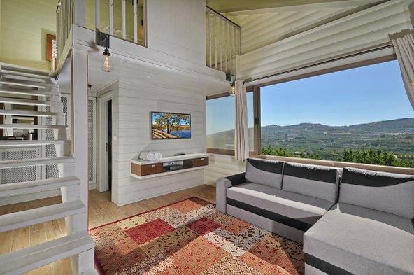 White Suites. סוויטות מוקפדות עם נוף עוצר נשימה