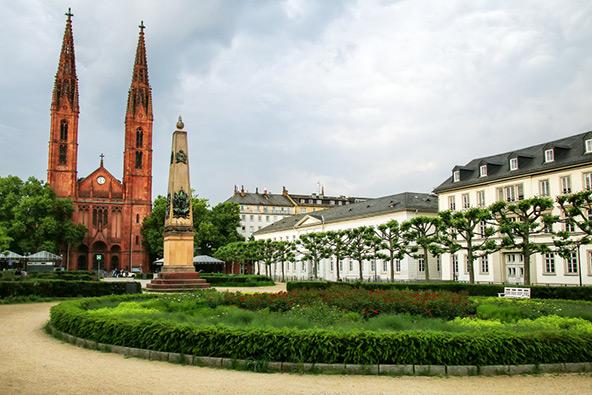 ויסבאדן, גרמניה: בין כרמים לנהר