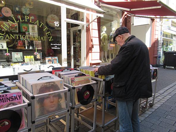 חנות תקליטים בעיר העתיקה של ויסבאדן