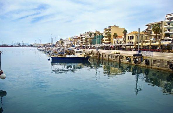 הנמל של קלמטה, העיר השנייה בגודלה בדרום יוון