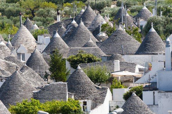 בתי הטרולי המחודדים באלבורלו, אחד הסמלים של חבל פוליה בדרום איטליה