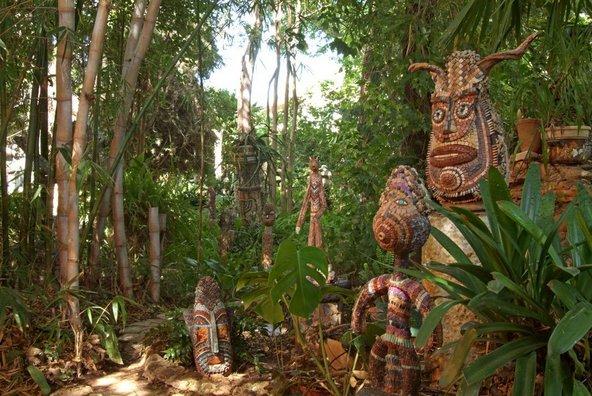 פינת הבמבוק בגן הפסלים בקיבוץ אילון