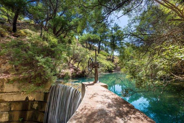 לצד ערים עתיקות וחופים, יש ברודוס גם אתרי טבע יפים