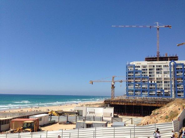 בנייה בבת ים בקו המאה מטר החוף