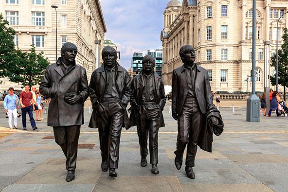גיבורים מקומיים: פסלי ברונזה של הביטלס בליברפול