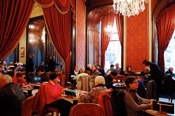 קפה ז'רבו פועל ברצף מאז שנת 1870