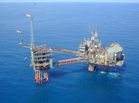אסדת קידוח בים הצפוני. לא רק מפגע נופי אלא סכנה מוחשית לסביבה | צילום: Beryl Alpha, flickr