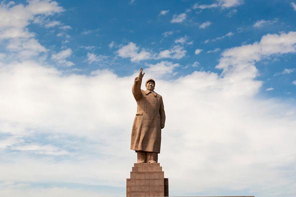 פסל של מאו בקאשגאר, עיר במחוז האוטונומי ש'ינג'יאנג