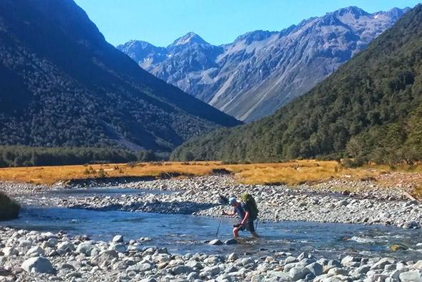 לחצות את ניו זילנד ברגל