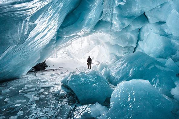 מערת קרח בבוליביה, סמוך לגבול עם פרו | צילום: רן מאיר