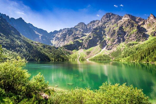 אגם באזור זקופנה. באזור יש מסלולי הליכה רבים ומגוון פעילויות בחיק הטבע