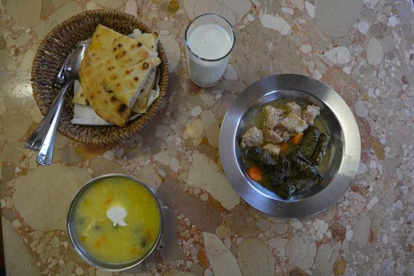 האוכל בסרייבו, כמו הרבה צדדים אחרים, הוא עירוב של התרבויות והדתות המרכיבות את העיר