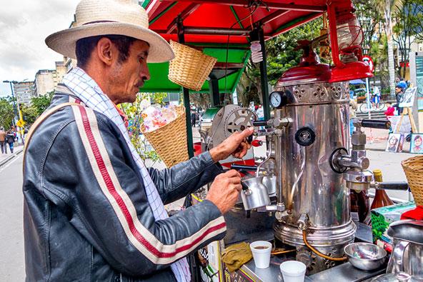 הקפטרוס ברחובות בוגוטה יספקו לכם קפה שאפשר לכנותו עממי