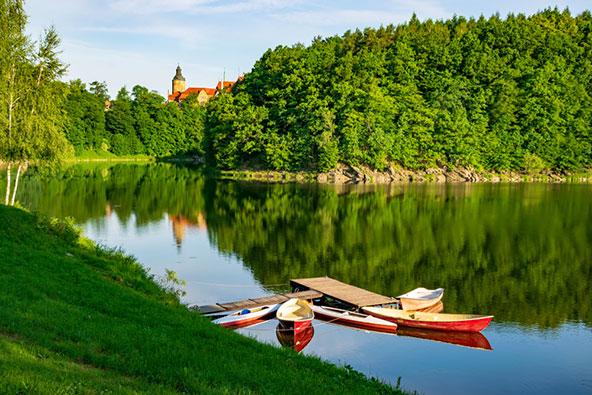למי שמחפש עוד קצת פעילות, אפשר לשוט בנהרות ובאגמים