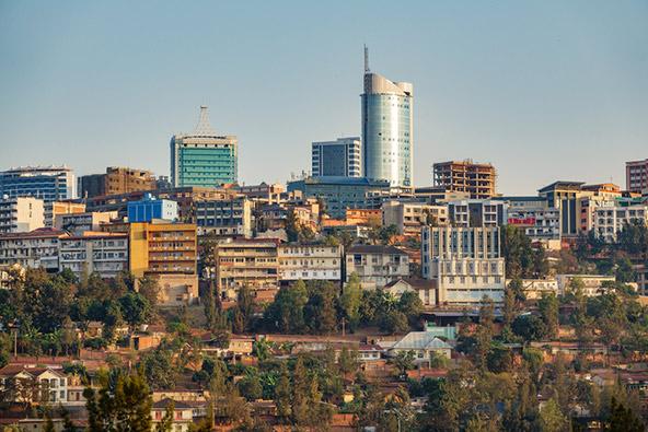 קיגאלי, בירת רואנדה, היא עיר מודרנית, נקייה ובטוחה, אומר רוברט מקווה מאלברטין טרוול