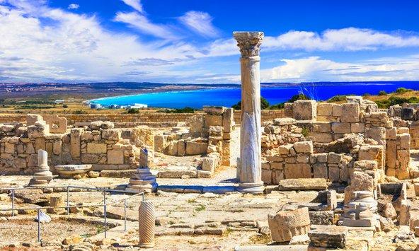 לימסול מציעה שילוב של חופים יפים ואתרים ארכאולוגיים