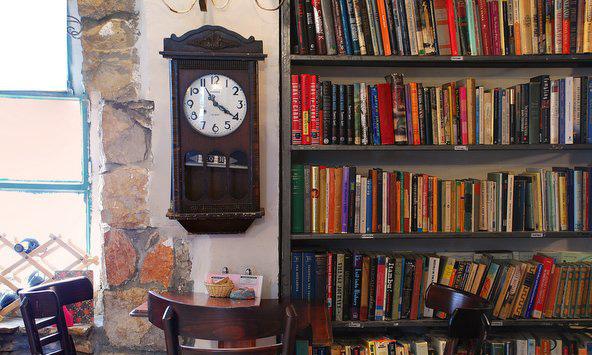 תמול שלשום. חנות ספרים, בית קפה ומרכז תרבות | צילום: איוון טיכיינקו