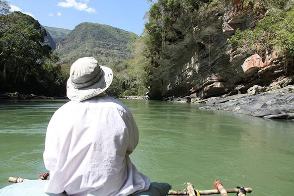 החלק הרגוע של הנהר. התמונות בכתבה הן מתוך מסע ברפסודה שערך קווין גייל בטואיצ'י - שחזור של הטיול הטראומטי משנת 1981 | צילומים: קווין גייל