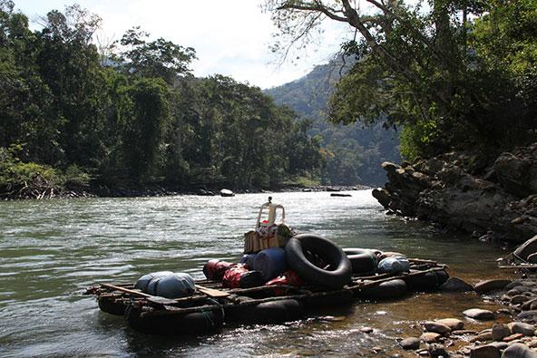 הרפסודה לא השתנתה הרבה בין המסע המקורי לשחזור שלו, גם הנהר נותר פראי כשהיה