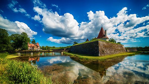 האי סאראמה, הגדול והמתויר מבין איי אסטוניה