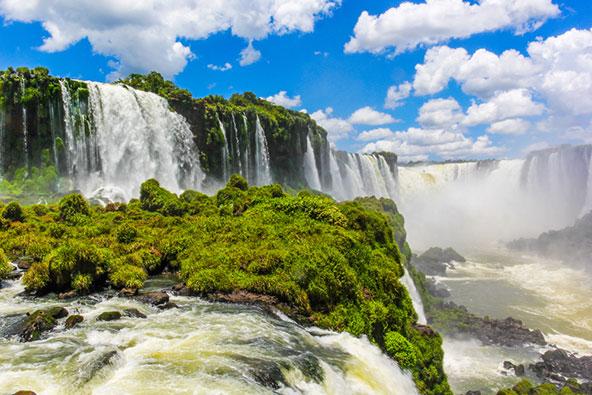 מפלי האיגואסו שעל גבול ברזיל-ארגנטינה, מהמפלים האדירים בעולם
