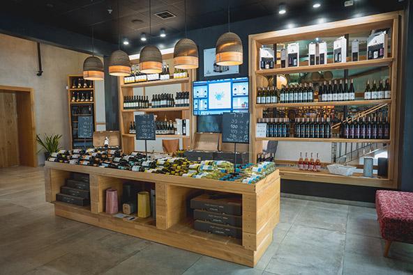 מרכז המבקרים של יקב תבור. לטעום יינות וגבינות באווירה ייחודית | הצילומים באדיבות יקב תבור