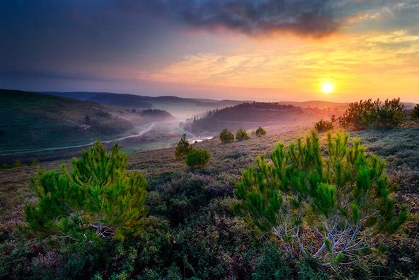 שקיעה ברמות מנשה. עם נוף כזה, לא תצאו לחופשה ספונטנית בישראל?