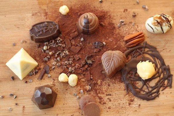 פרלינים ויצירות שוקולד נוספות בעין כרם המתוקה