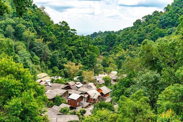 הכפר ההררי והמיוער מה קמפונג מאפשר לחוות את תאילנד האותנטית
