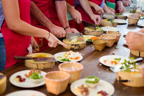 השתתפות בסדנת בישול היא דרך נהדרת להיחשף לרזי המטבח התאילנדי