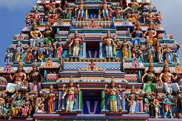 מקדש ברובע ליטל אינדיה. למרות החזות המודרנית, התרבות בסינגפור מושפעת מסין, מלזיה והודו