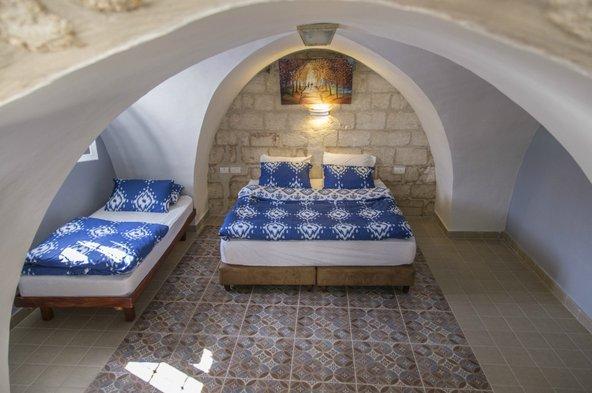 בית אלכסנדרה. החדרים מלאי אופי ומעוצבים בסגנון אותנטי