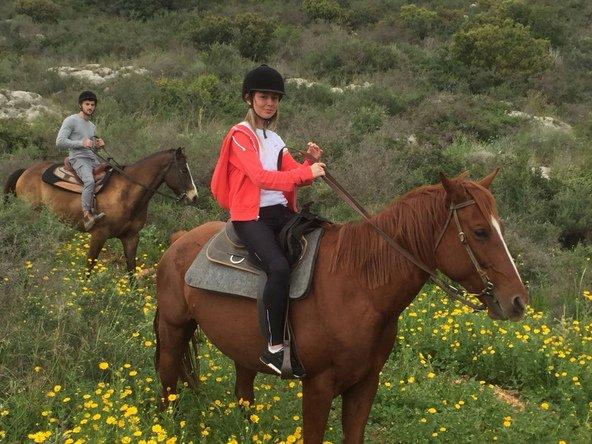 טיול סוסים בחוות בשביל האושר בכליל