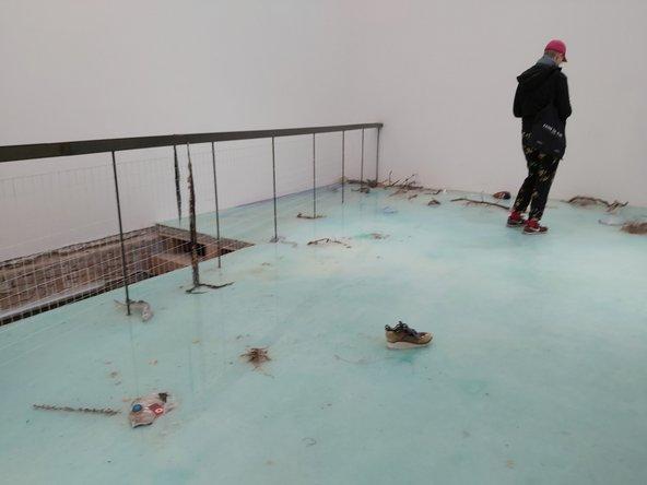 המיצג של לורה פרוווסט מציג את השלכות הזיהום שבני האדם יוצרים בחופים