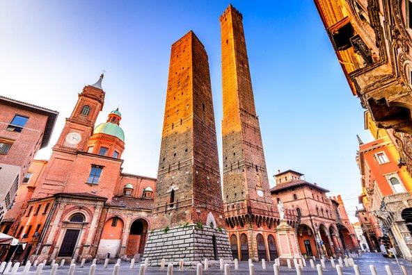 מגדל גריסנה ומגדל אסינלי, המגדלים הנטויים של בולוניה